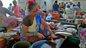 nearest fish market